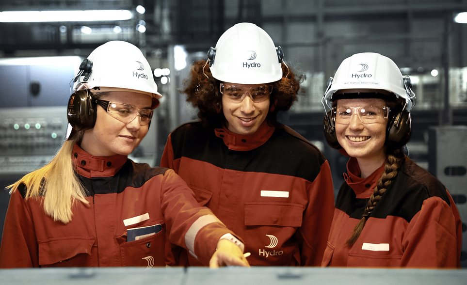 Three Hydro employees