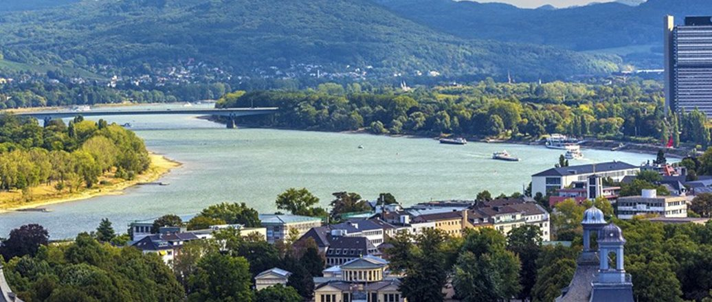 rhein river through Bonn