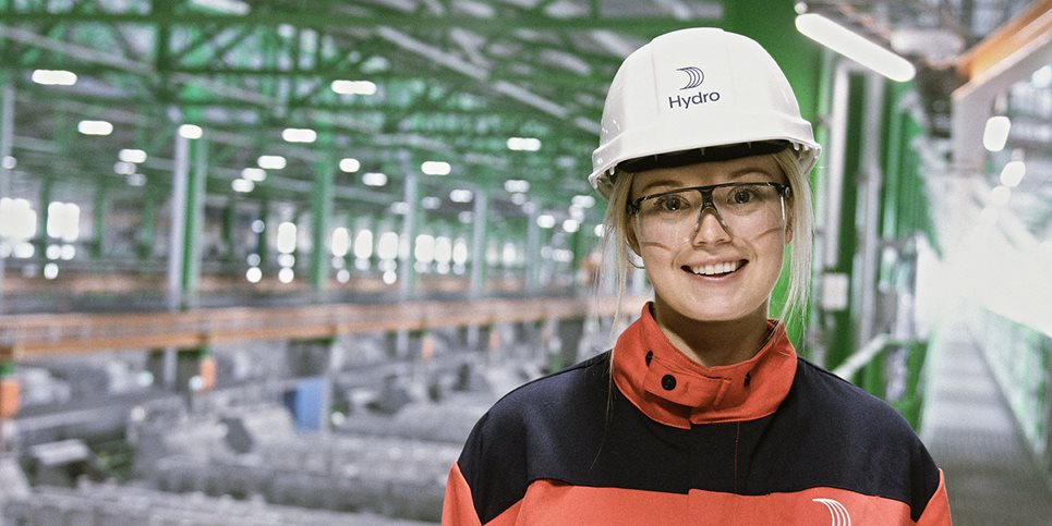 Girl at Karmøy smelter